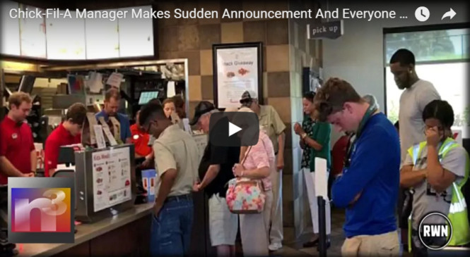 Chick-Fil-A Manager Makes Sudden Announcement And Everyone Immediately Began To Pray