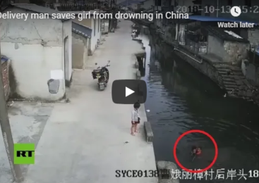 Delivery man saves girl from drowning in China